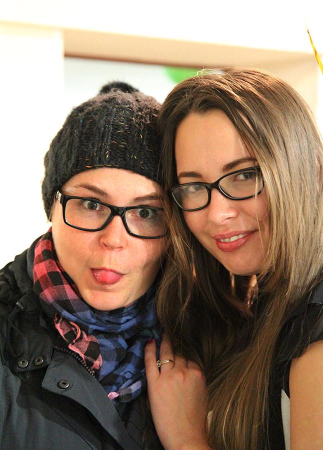 Оля и Аня