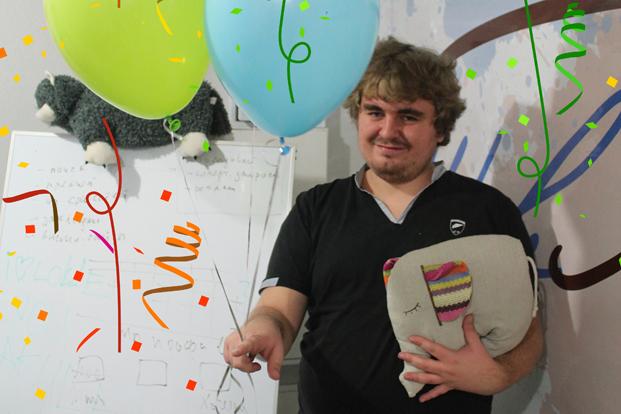 Программист Сергей и его любимый офисный питомец - php слон
