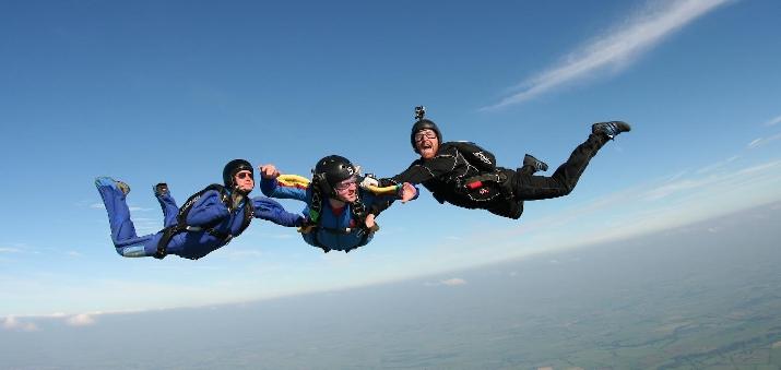 aff_level_1_-_skydive_langar